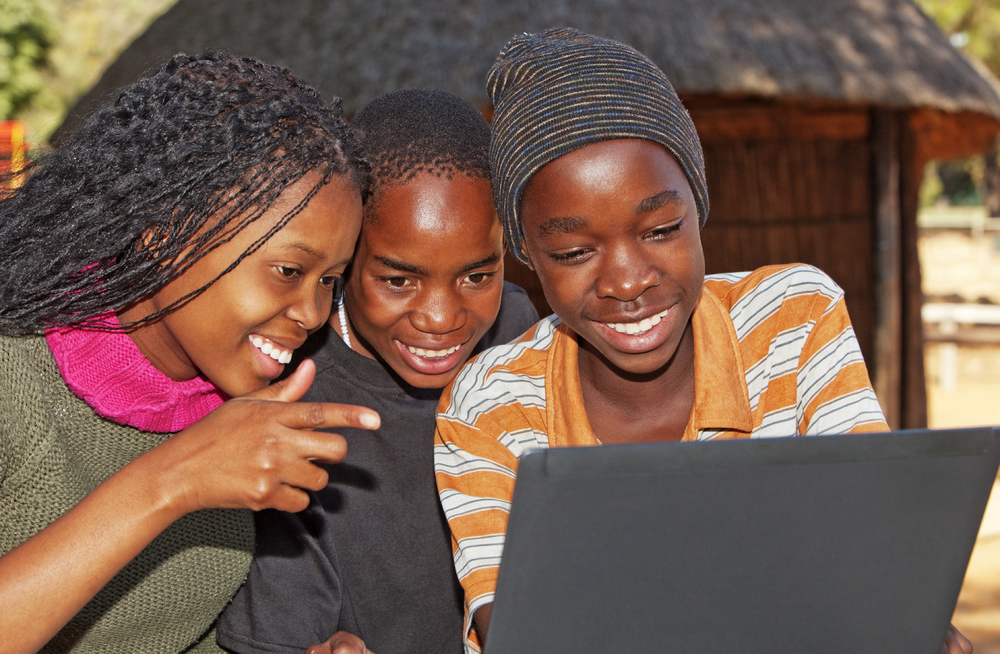 African-kids-with-laptop