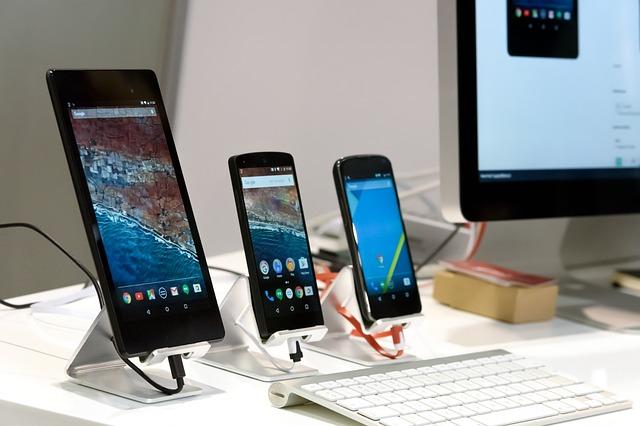 smartphone-3179295_640